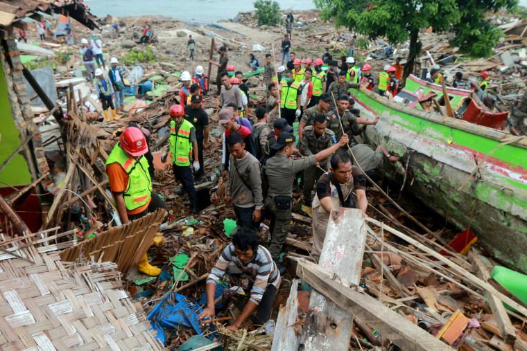 Image: Indonesia tsunami
