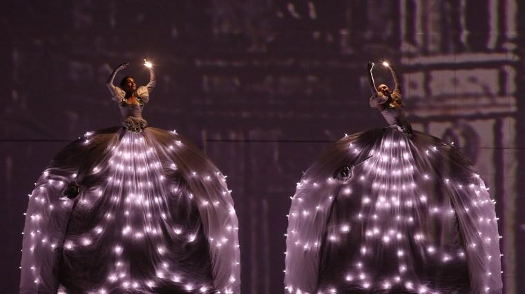 Image: 'Mas cerca de las Estrellas' (or Closer to the Stars) Christmas performance in Bogota