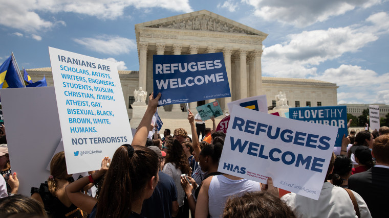 Image: U.S. Supreme Court Upholds Trump Travel Ban