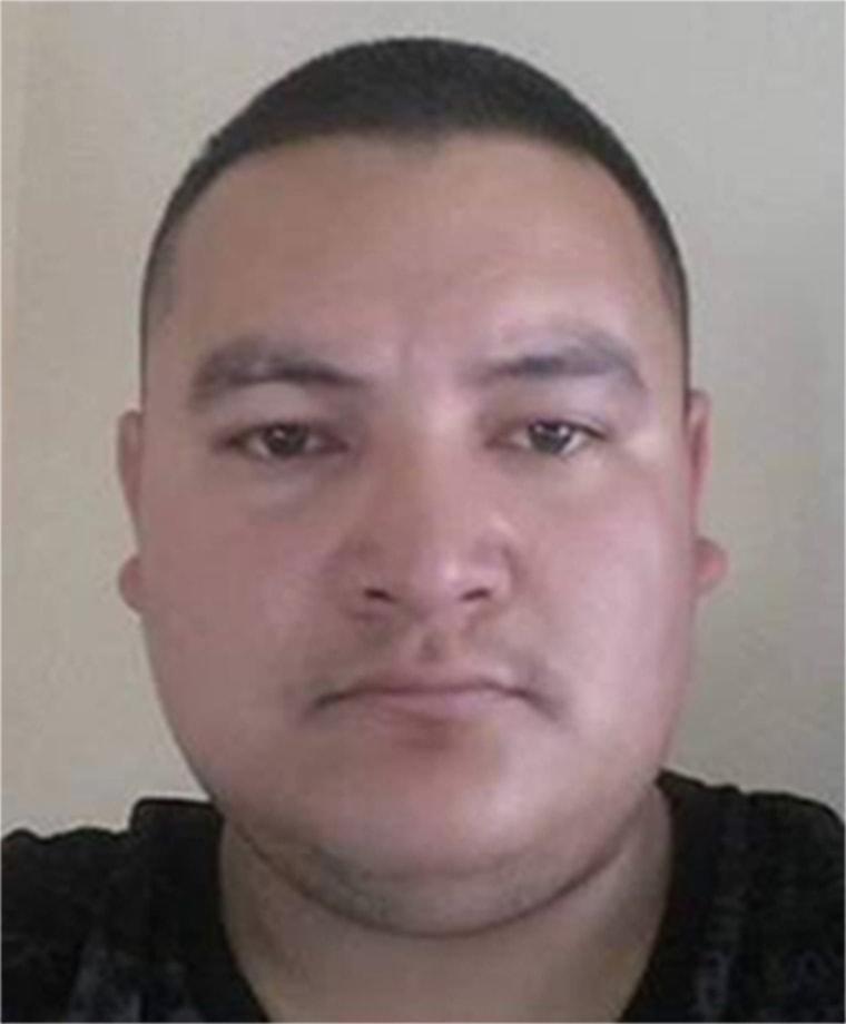 图片:一名嫌犯警方正在寻找与北加利福尼亚州交通站点发生致命枪击事件有关的事件。