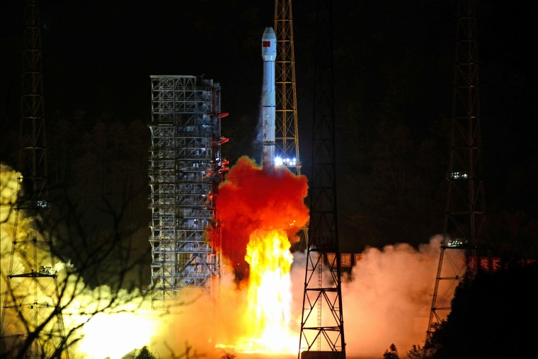 Image: Long March-3B rocket carrying Chang'e 4 lunar probe takes off from the Xichang Satellite Launch Center