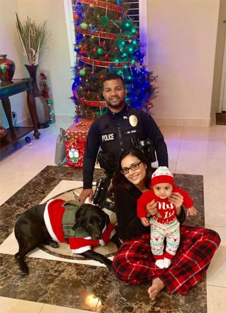 图片:纽曼警察局局长Ronil Singh及其家人。