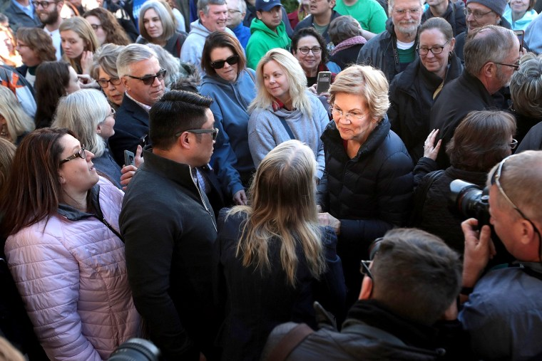 Image: Sen. Elizabeth Warren (D-MA) Visits Iowa Shortly After Announcing A Presidential Exploratory Committee