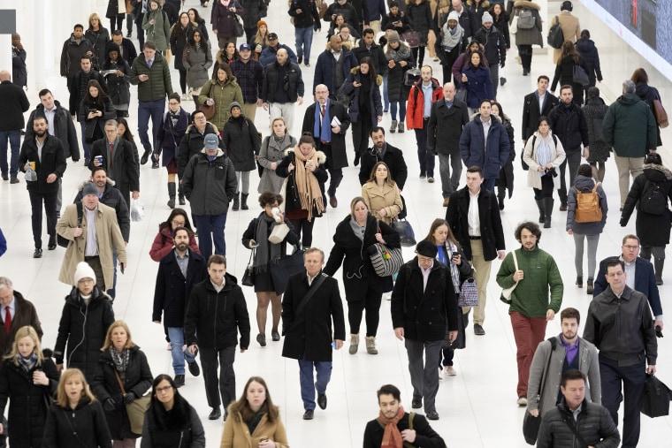 Image: Pedestrians in New York