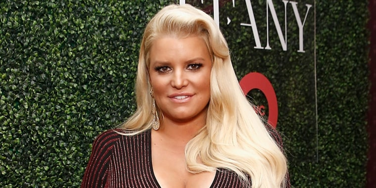 Jessica Simpson asking fans to help with remedies for her very swollen feet