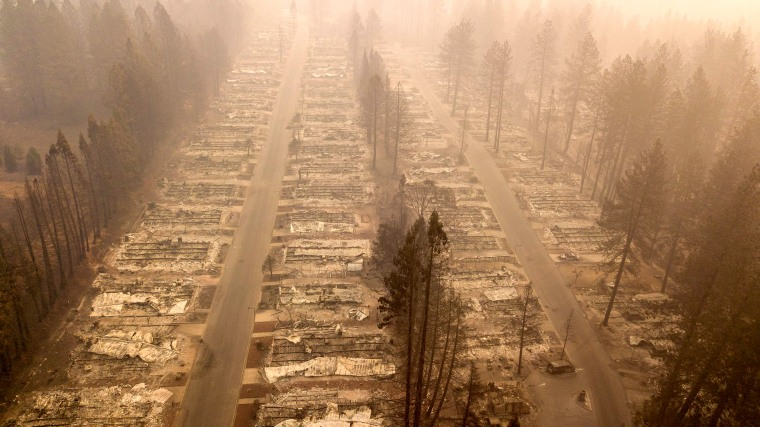 Image:A burned neighborhood after the Camp Fire in Paradise, California, on Nov. 15, 2018.