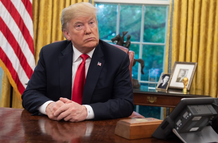 Image: Donald Trump, Oval Office