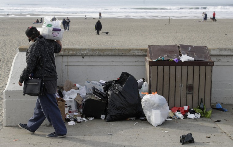 Image: Ocean Beach trash