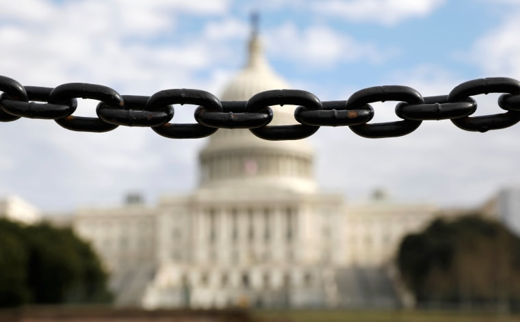 Image: A  chain fence at the U.S. Capitol during the partial government shutdown in Washington