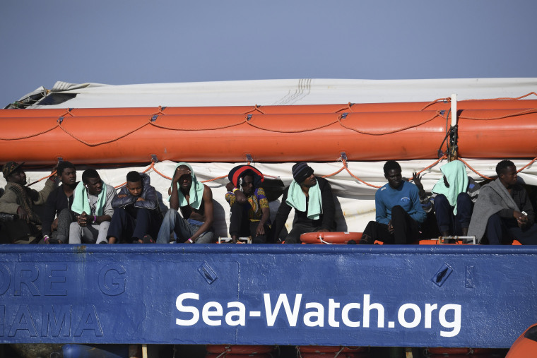 Image: Migrants aboard Sea-Watch 3
