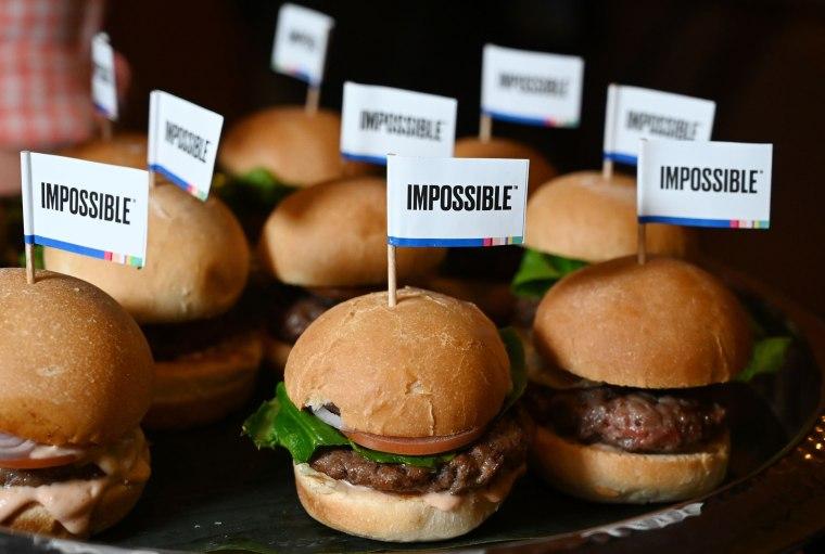 Image: Impossible Burger CES