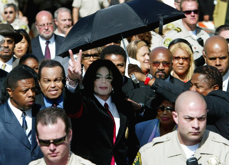 Image: Michael Jackson Arraignment on Child Molestation Charges