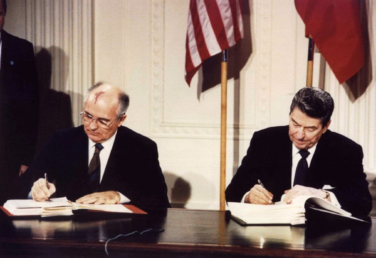 Image: President Ronald Reagan and Soviet leader Mikhail Gorbachev sign the INF Treaty in 1987