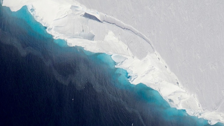 A gigantic cavity is growing at the bottom of Thwaites Glacier in West Antarctica, according to a new NASA-led study.