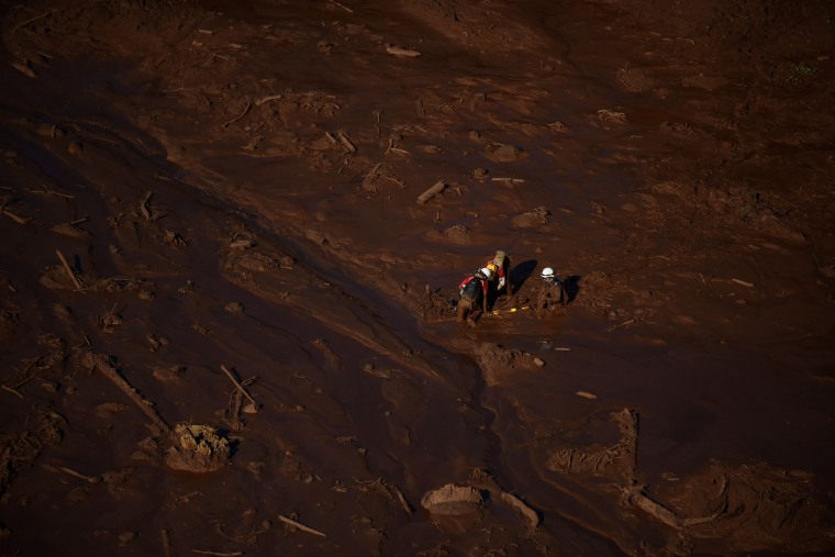 Image: TOPSHOT-BRAZIL-ACCIDENT-DAM-COLLAPSE