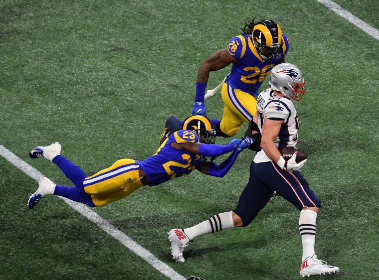 Image: AMFOOT-NFL-SUPER-RAMS-PATRIOTS