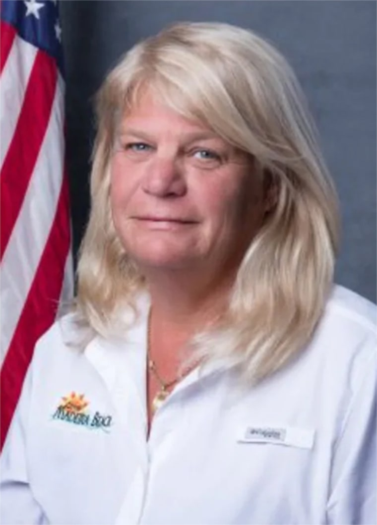 Woof Woof: Florida city commissioner resigns following complaints she licked men's faces, groped them 190207-nancy-oakley-madeira-beach-cs-937a_37a883214035b45c7344b7fef5955fdc.fit-760w