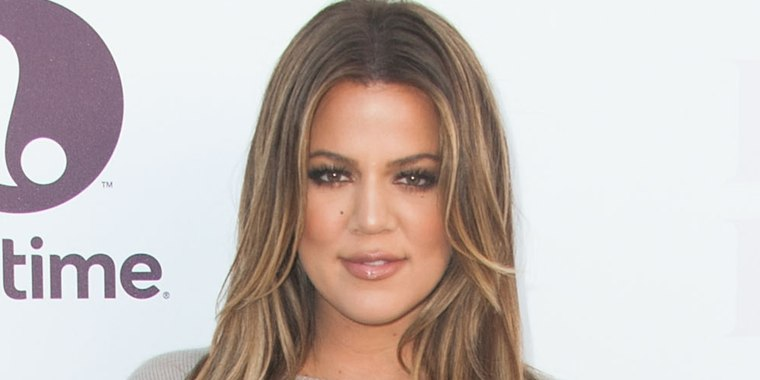 Khloe Kardashian chops hair and goes platinum blond