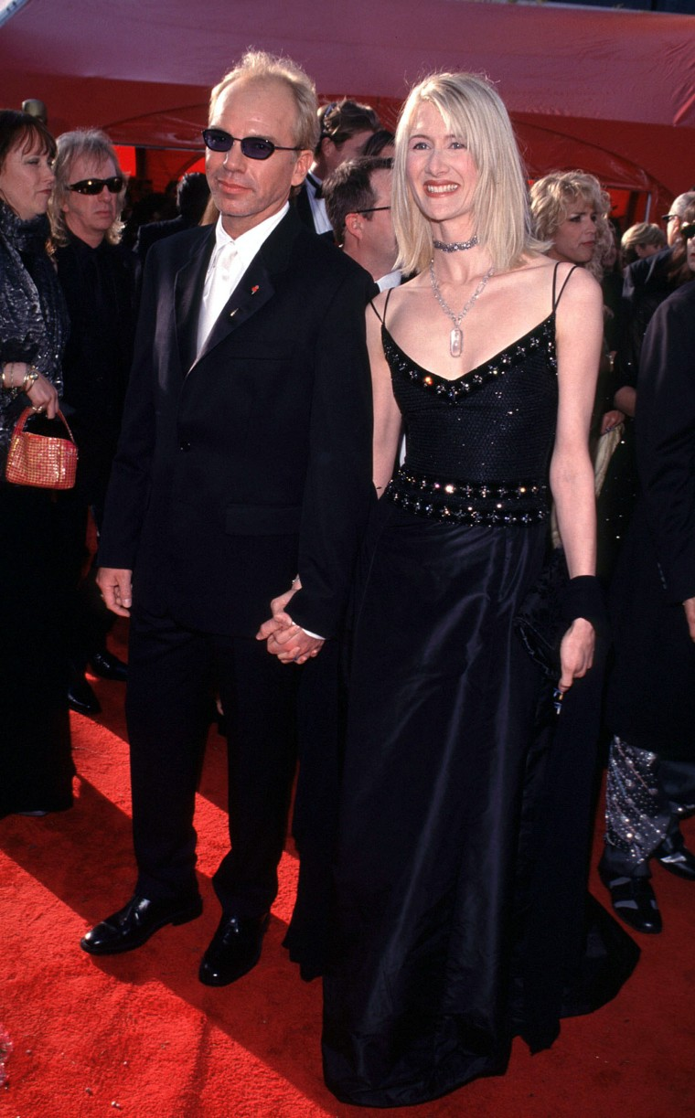 """ACADEMY AWARDS: ARRIVALS   03/21/99 LOS ANGELES, CALIFORNIA THE 1999 ACADEMY AWARDS \""""THE OSCARS\"""" ARRIVALS - Nominee for Best Supporting Actor Billy Bob Thornton with girlfriend Laura Dern Photo: Evan Agostini/ImageDirect"""
