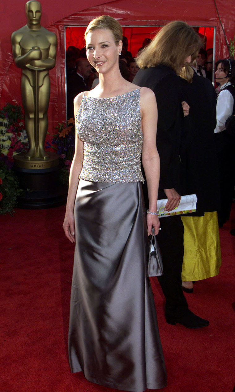 365579 01: Lisa Kudrow Arrives At The 71St Academy Awards March 21, 1999 In Los Angeles, California.  (Photo By Getty Images)