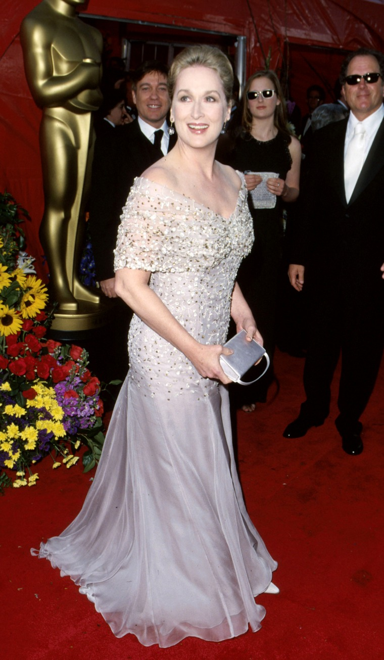 Meryl Streep during 71st Annual Academy Awards - Arrivals at Dorothy Chandler Pavilion in Los Angeles, California, United States. (Photo by SGranitz/WireImage)