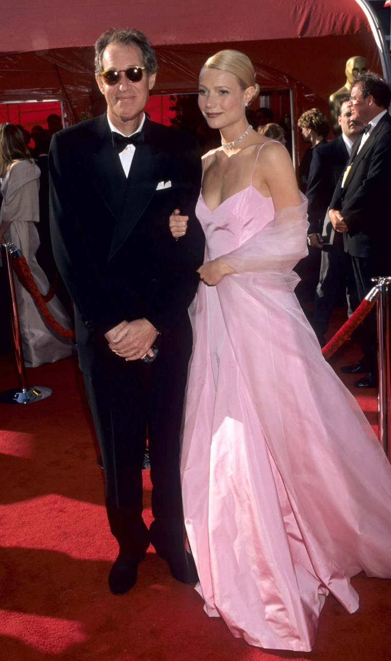 Bruce Paltrow and Gwyneth Paltrow during 71st Annual Academy Awards - Arrivals at Dorothy Chandler Pavilion in Los Angeles, California, United States. (Photo by Ke.Mazur/WireImage)