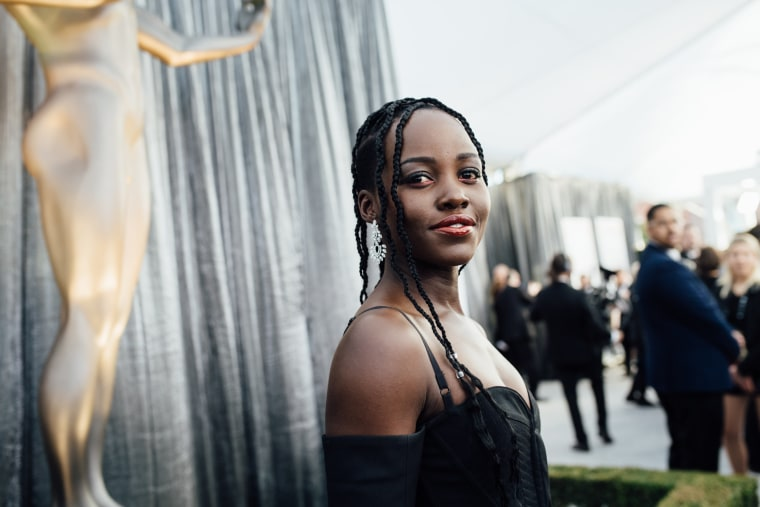 Image: Lupita Nyong'o arrives to the Screen Actors Guild Awards in Los Angeles on Jan. 27, 2019.