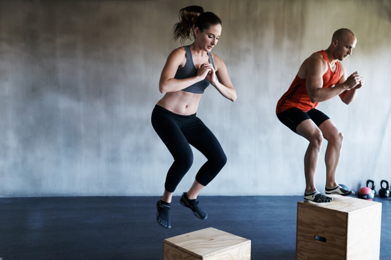 How to reduce knee and joint pain during a HIIT class
