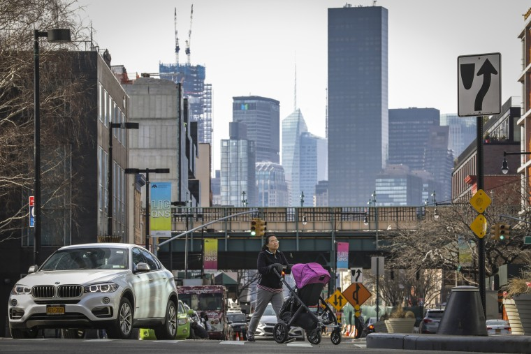 Image: After Local Opposition, Amazon Cancels Plans For Major Campus In New York