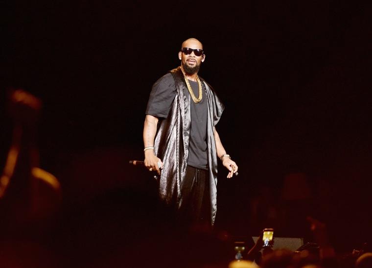 Image: R. Kelly performs during the Soul Train Weekend Concert in Las Vegas on Nov. 7, 2015.