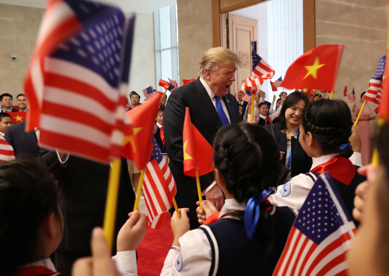 Image: U.S. President Trump meets with Vietnamese Prime Minister Nguyen Xuan Phuc in Hanoi