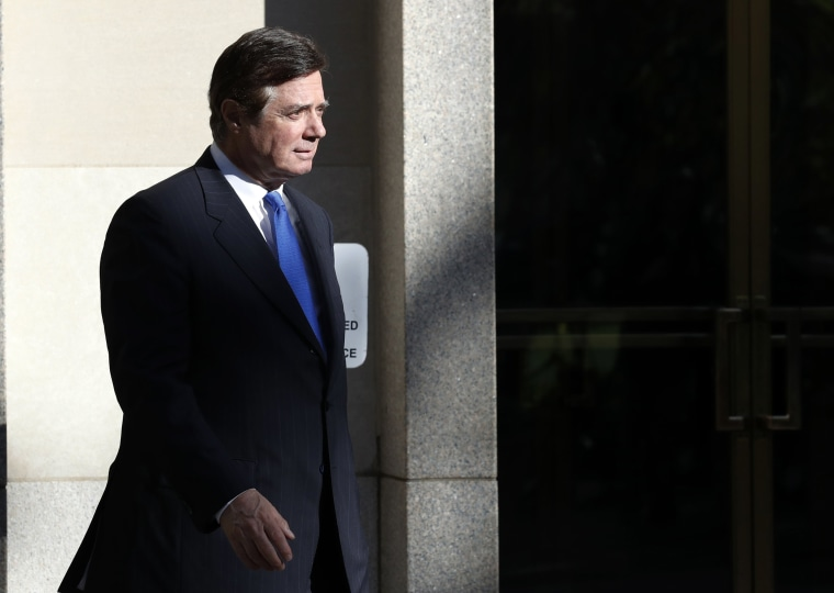 Image: Paul Manafort walks from Federal District Court