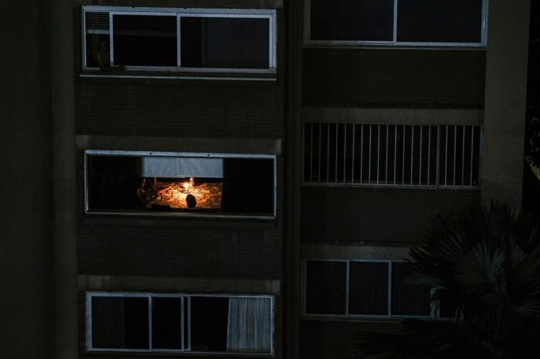 Image: TOPSHOT-VENEZUELA-CRISIS-POWER-OUTAGE