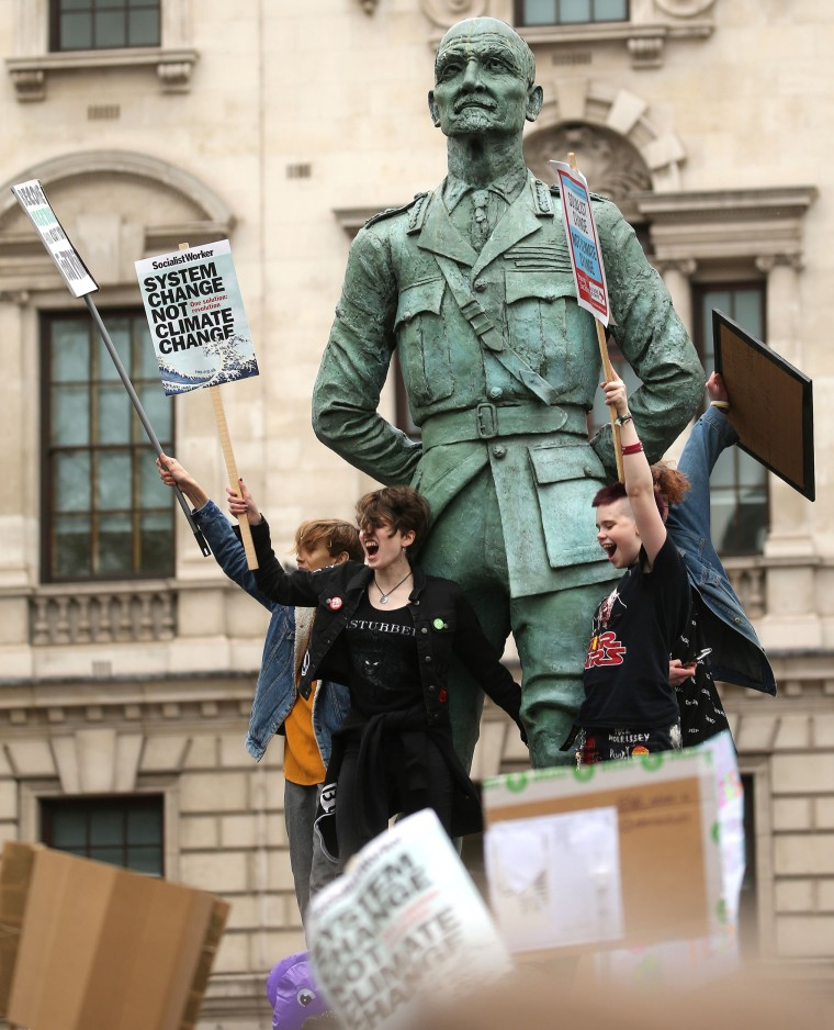 Image: BRITAIN-ENVIRONMENT-CLIMATE-PROTEST