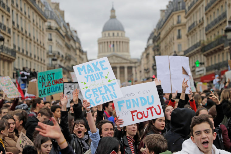 Image: FRANCE-CLIMATE-YOUTH-DEMO