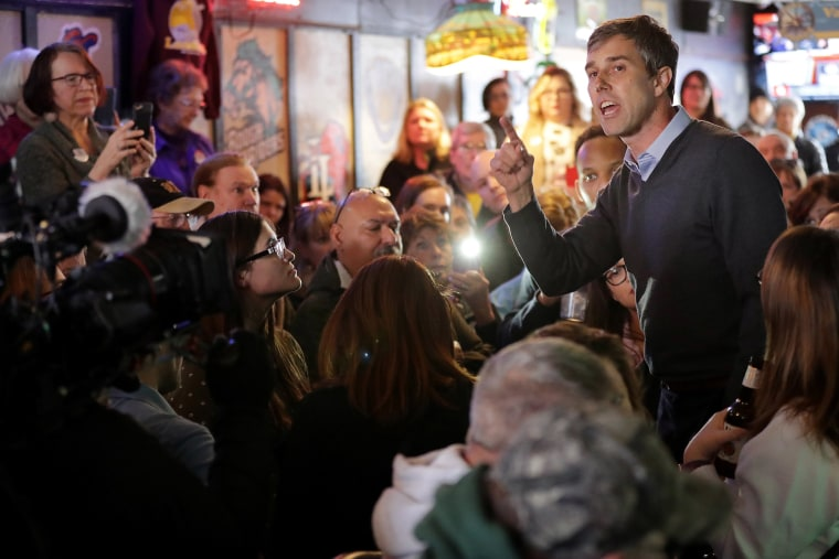 Image: Democratic presidential candidate Beto O'Rourke an overflow audience at Yock's Landing during his second day of campaigning for the 2020 nomination