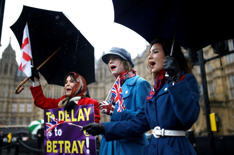 Image: Pro-Brexit protesters demonstrate outside the Houses of Parliament in London