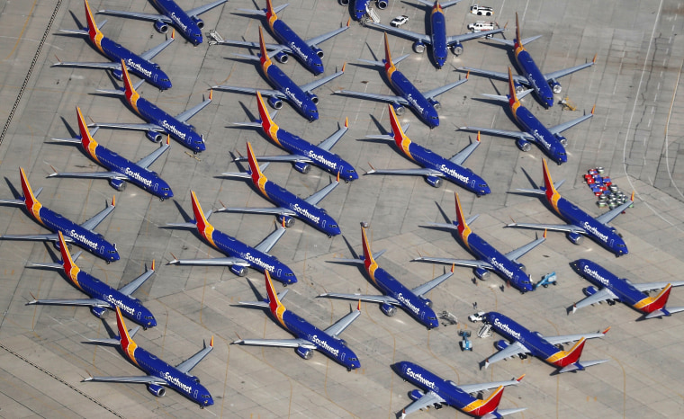 Image: Southwest Parks Grounded Boeing 737 MAX Planes At Remote California Airport
