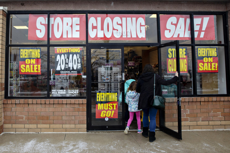 deals store closing time