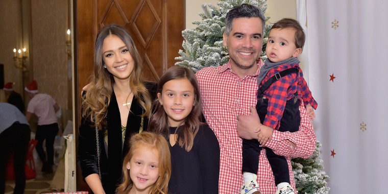Image: Jessica Alba with her family