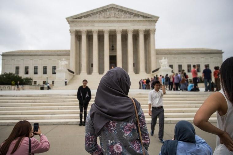 Image: Supreme Court Dismisses Case Against Trump's Travel Ban