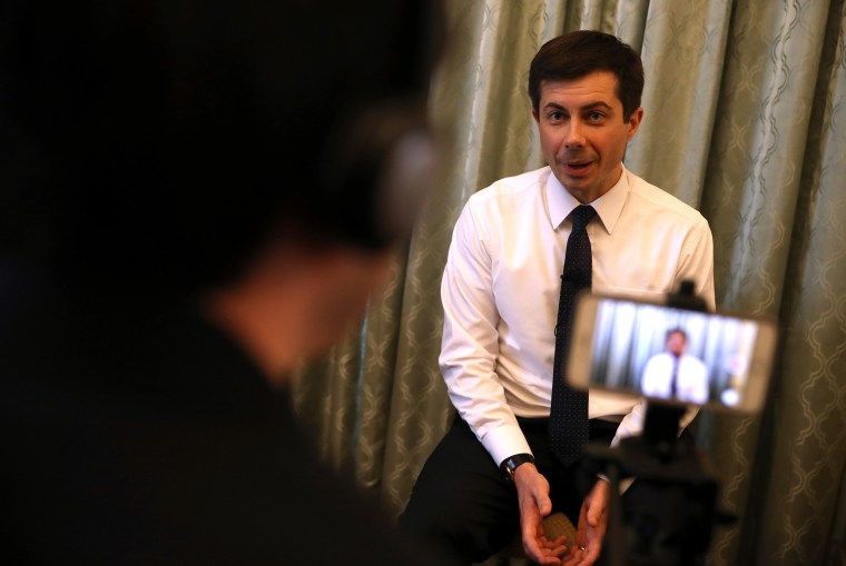 Image: Democratic presidential hopeful South Bend, Indiana mayor Pete Buttigieg speaks to members of the media before appearing at the Commonwealth Club of California