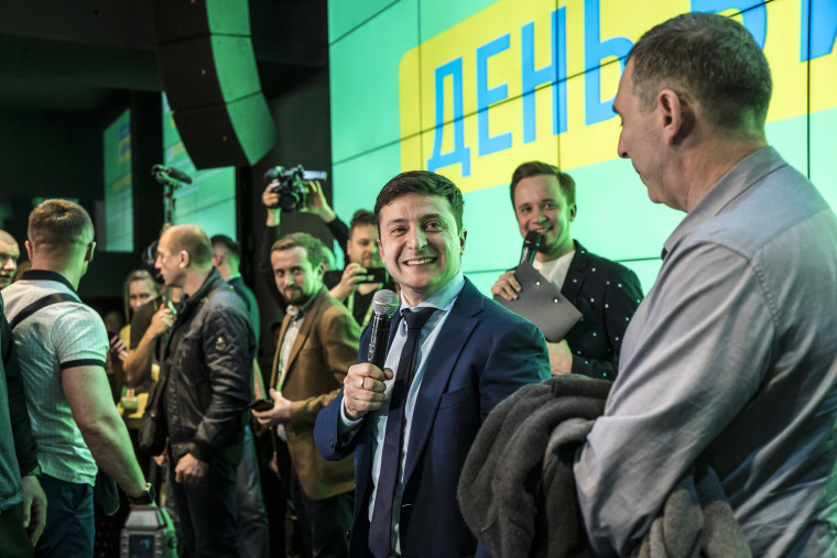 Image: Comedian and leading Ukrainian presidential candidate Volodymyr Zelenskiy speaks to reporters at his election night gathering