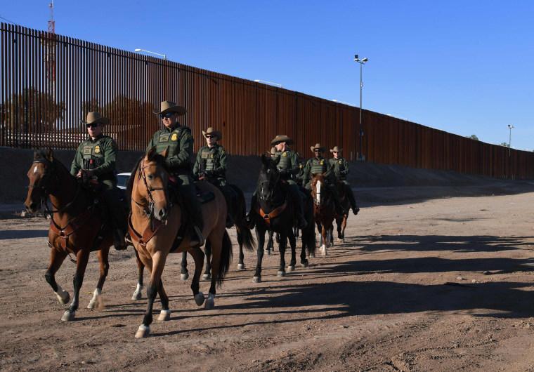 Image: Calexico border wall