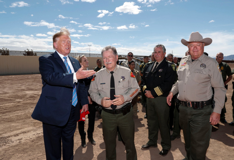 Image: U.S. President Trump visits U.S.-Mexico border in Calexico, California