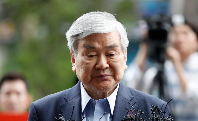 Image: FILE PHOTO: Korean Air Lines Chairman Cho Yang-ho arrives at a prosecutor's office in Seoul