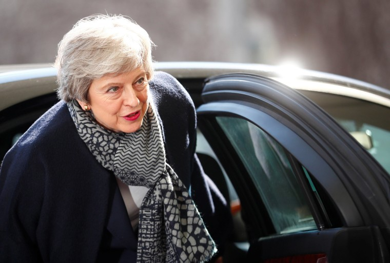 Image: British Prime Minister Theresa May arrives for a meeting with German Chancellor Angela Merkel, at the chancellery in Berlin