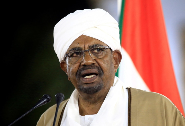 Image: FILE PHOTO: Sudan's President Omar al-Bashir delivers a speech at the Presidential Palace in Khartoum