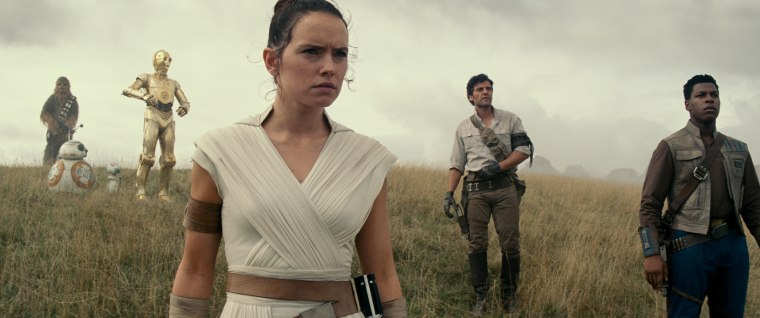 "A scene from the new teas railer for ""Star Wars: The Rise of Skywalker."""