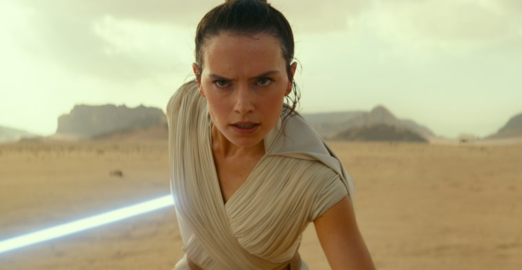 'Star Wars: Episode IX' teaser trailer debuts at fan convention in Chicago